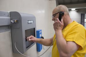 Jefferson County CO Sheriffs Jail - Incarcerated person makes a call